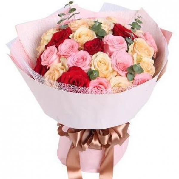 33 Mixed Roses Bouquet