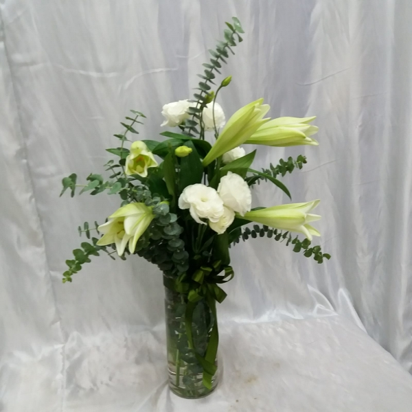 Beauty White With Vase